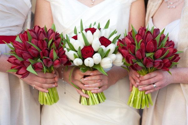 photodune-5420698-red-and-white-tulip-and-rose-wedding-bouquets-m